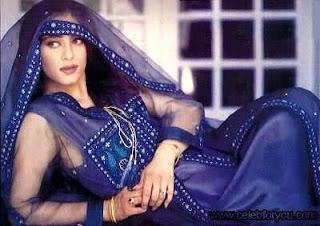 Profiles of Hot Bollywood Star Anita Ayub