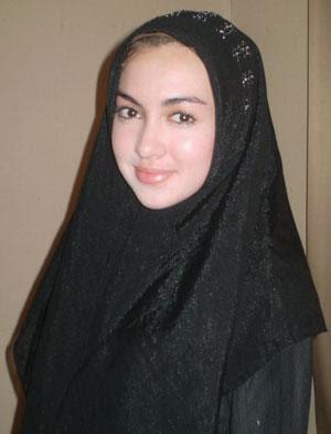 Rianti Cartwright Jilbab