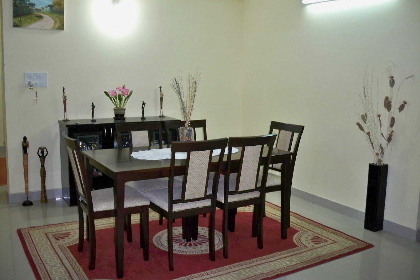 Sala de jantar.A esquerda tela da Tati Rodolfi artista paranaense. #5F312E 1600x1067