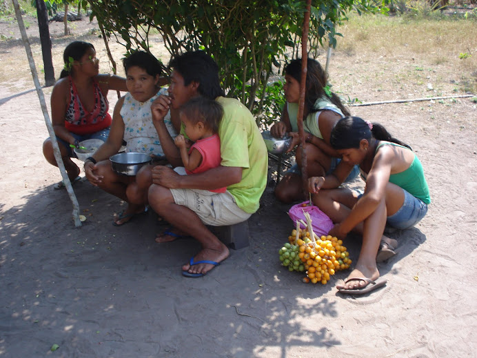Os povos indígenas lutam por vida digna para suas famílias