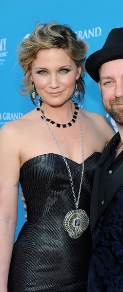 jennifer nettles tattoo. Jennifer Nettles always get it