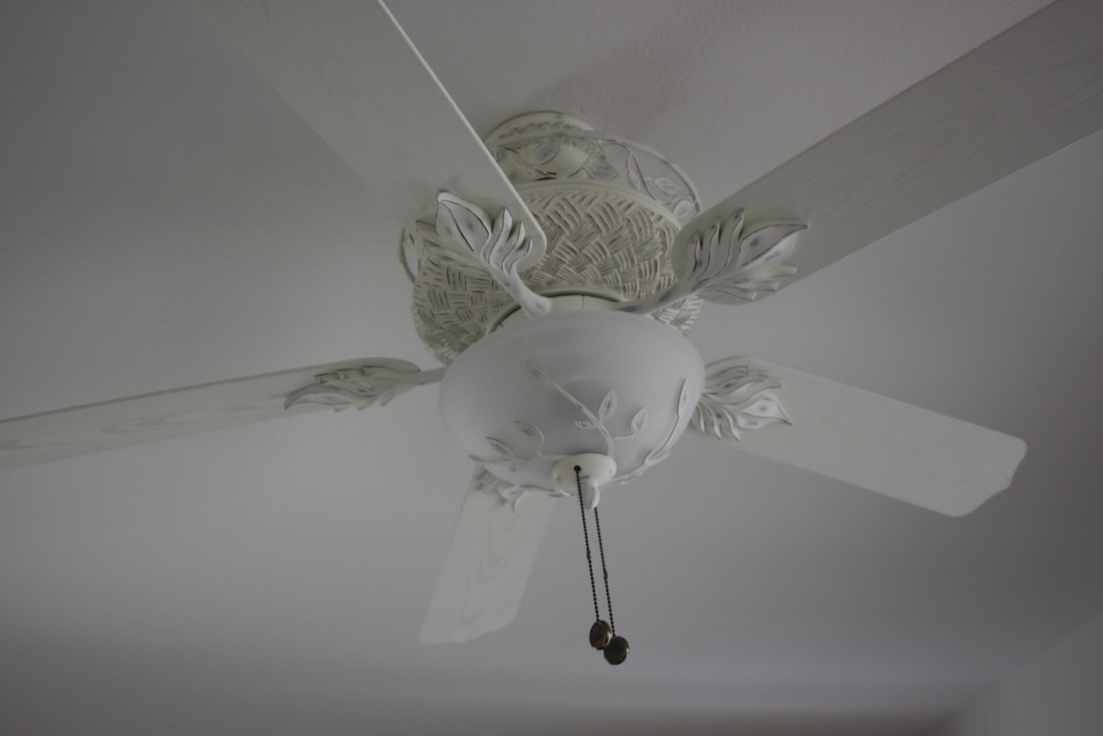 Casa Vieja Courtyard Chic ceiling fan in rubbed white