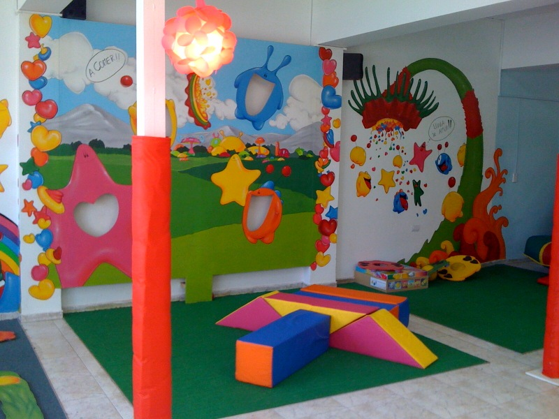Insettis for Decoracion salon infantil