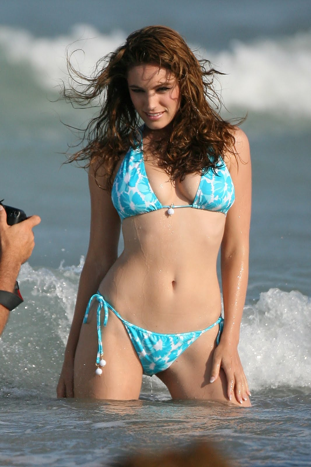 Topless Photoset of Nicola Paul | The Fappening. 2014-2020 celebrity photo leaks!