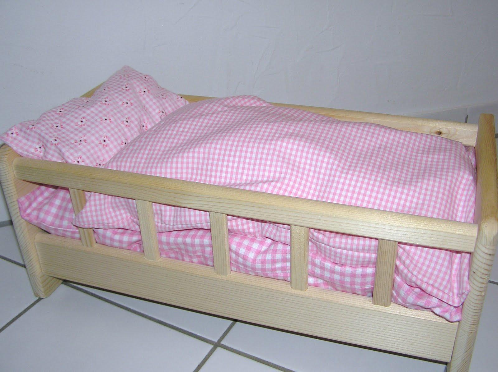 denise n hk stchen puppenbett mit bettw sche. Black Bedroom Furniture Sets. Home Design Ideas
