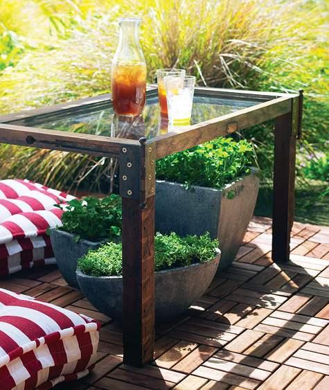 table de jardin avec bancs