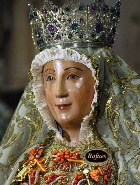 Patronas sevilla fotos cofrades adri n sarmiento for Mudanzas virgen de los reyes