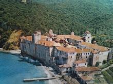 Monastère d'Esphigménou de l'Athos, Résistant à l'Oecuménisme papiste, toujours encerclé par la pol