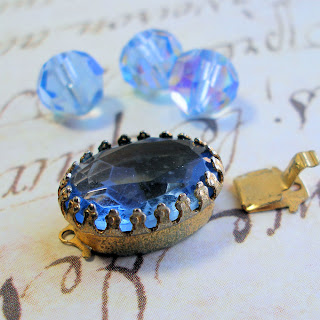 vintage blue cabochon tab clasp with matching beads