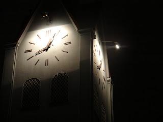 Torre guarda sino da Igreja da Paz desde 1892