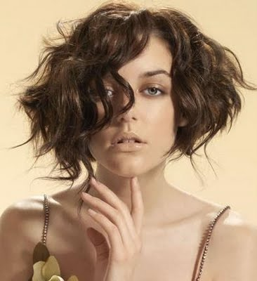 how to look sexy with short hair