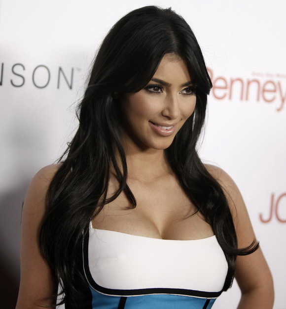 kim kardashian hairstyle. kim kardashian haircut long