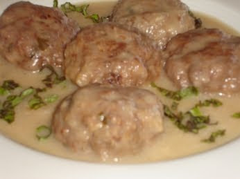 Greek Meatballs In Avgolemono Sauce (Keftedes me Avgolemono) Recipe