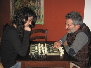 ...e una partita a scacchi!
