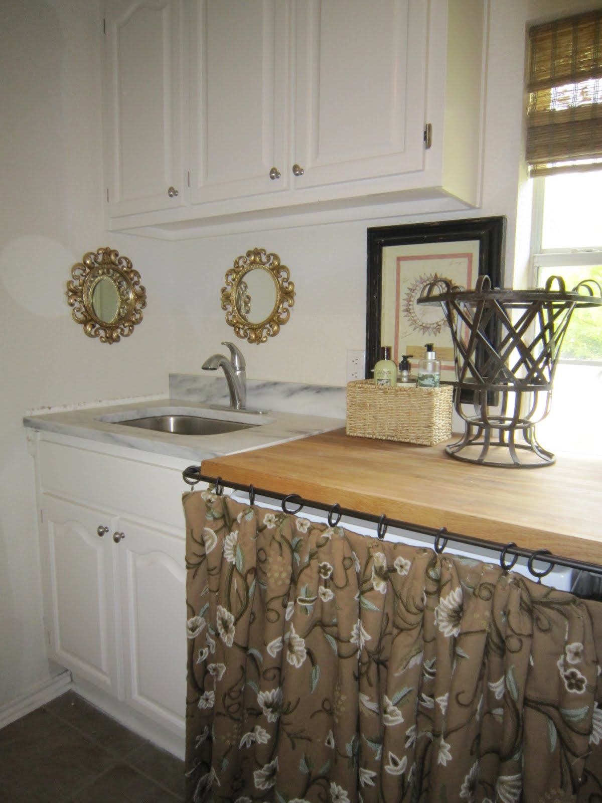Stainless Steel Utility Sink with Cabifor Laundry Room