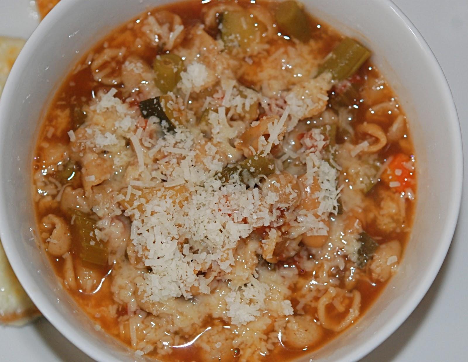 marys bites: Crock Pot Minestrone Soup