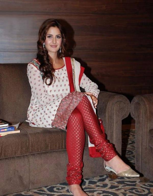 Bollywood Salwar Kameez Online