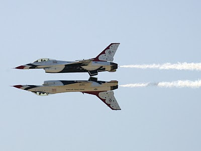 United States Air Force Thunderbirds - Upside Down - USAF News Release