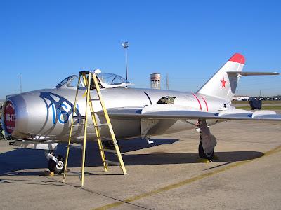 Mikoyan-Gurevich MiG-17 MiG-17