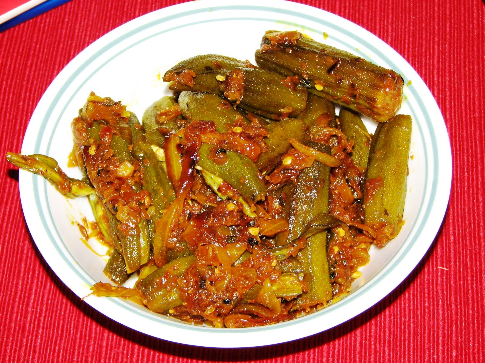 ... Little Things In Life: Bhindi Do Pyaza / Okra and Onion Stir Fry