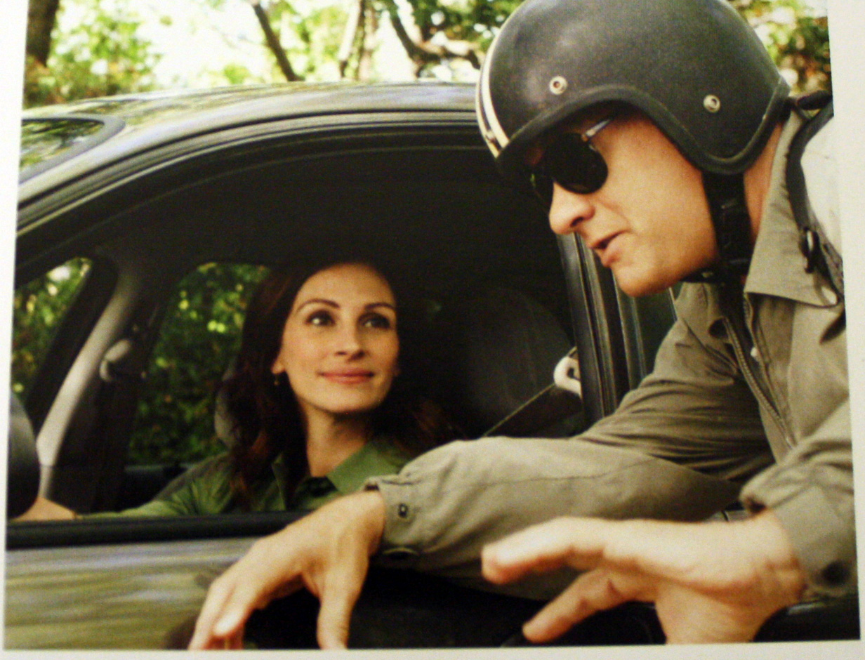 http://3.bp.blogspot.com/_NNW_E9LCtxw/TR8lr0gKNXI/AAAAAAAACo8/37E_3TmeUL8/s1600/larry_crowne_movie_image_julia_roberts_tom_hanks_01.jpg