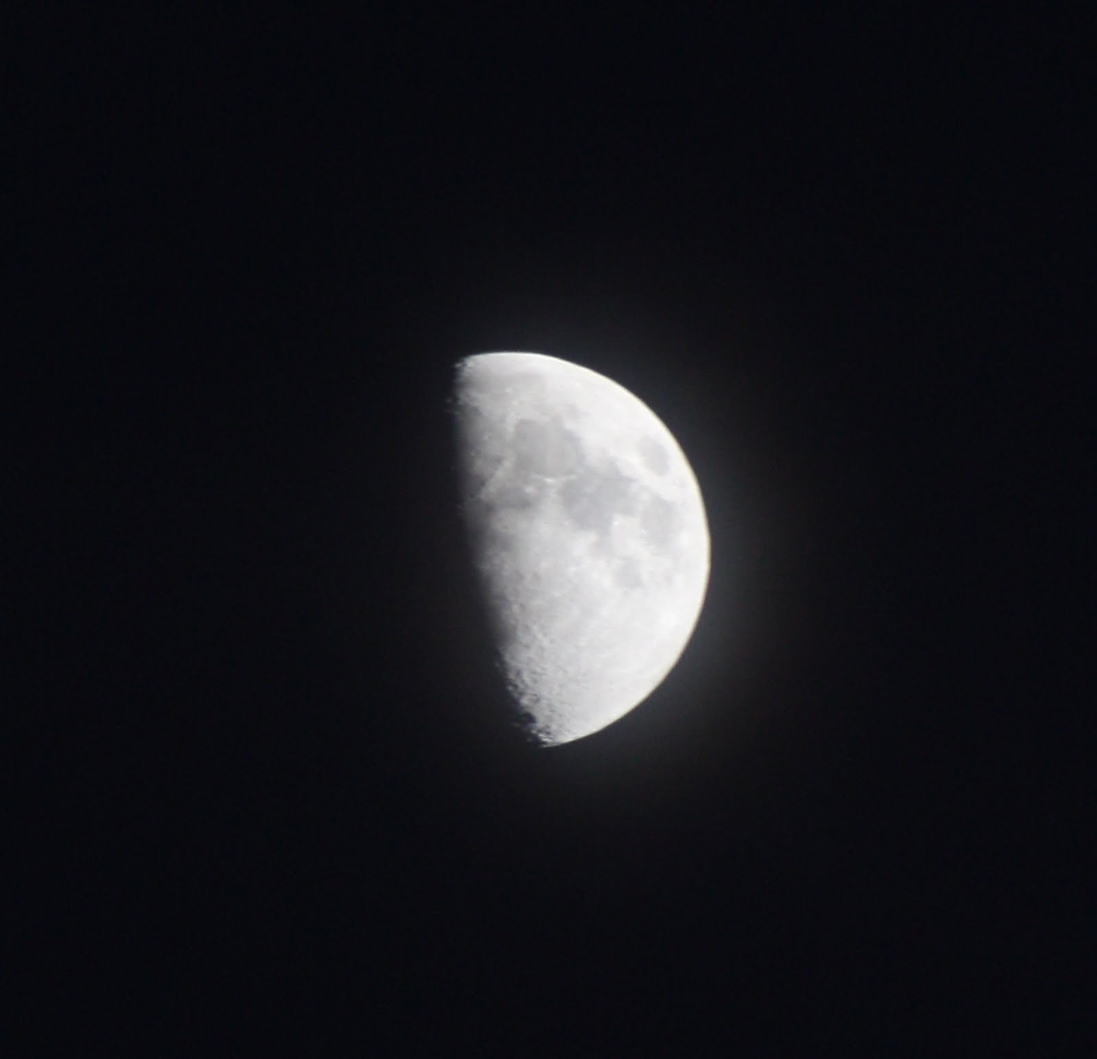 [moon1.jpg]