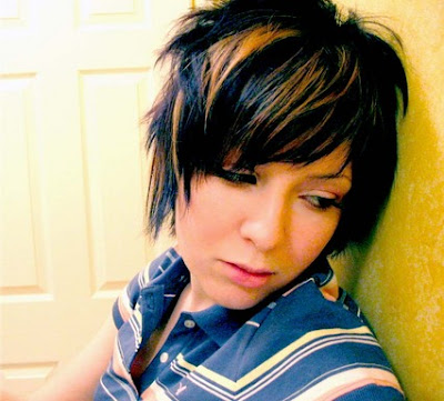 Short emo haircuts are usually laden with highlights or lowlights too.
