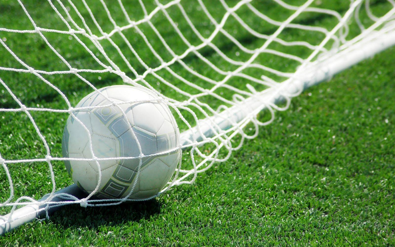 http://3.bp.blogspot.com/_NOdEQKztDvs/TPOFnVZEfpI/AAAAAAAAF5M/oMNnGCSNmfk/s1600/football%2Bblogambar.blogspot.com%2B%252819%2529.jpg