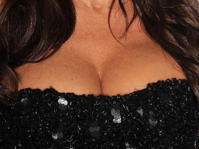 Sofia Vergara big breast cleavage ELLE Inaugural Women in Television