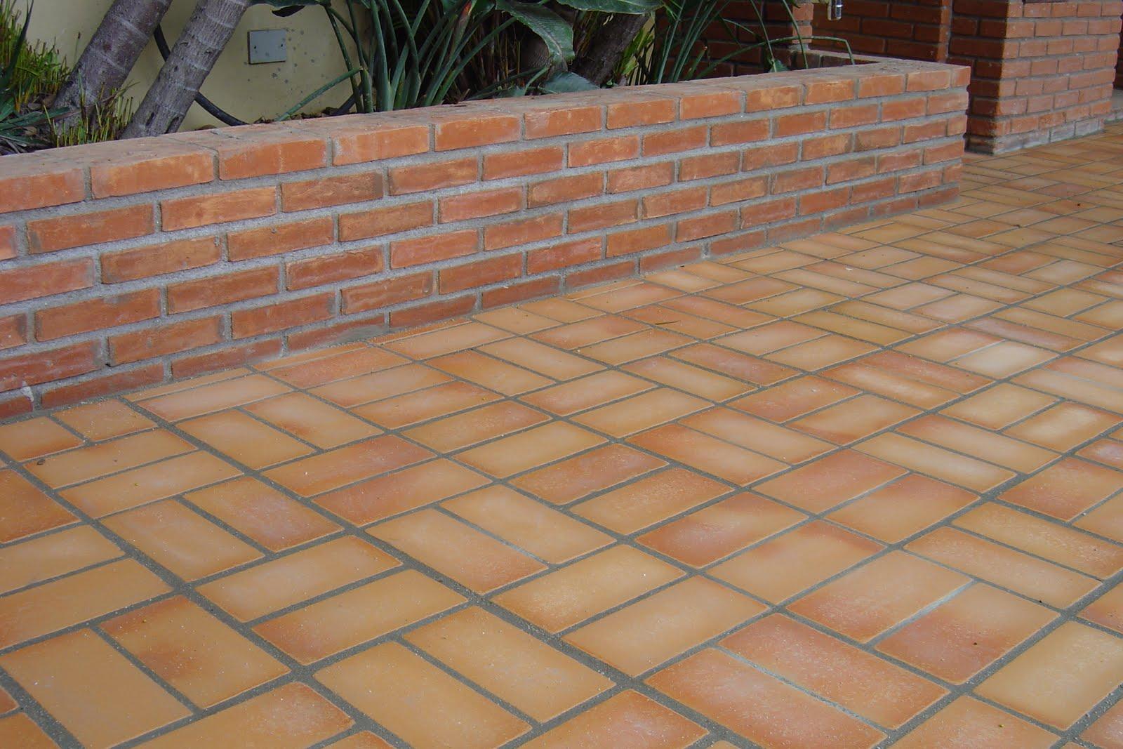 Step revestimentos pisos para rea externa for Modelos de pisos para exteriores