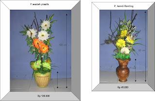 Bunga plastik dengan aksesoris ranting pohon asem