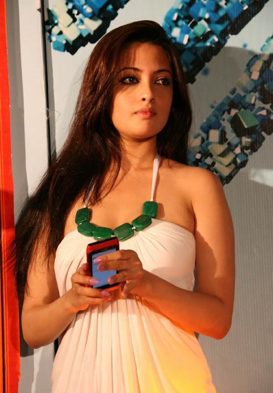 Actress Riya Sen Latest  Hot Stills cleavage