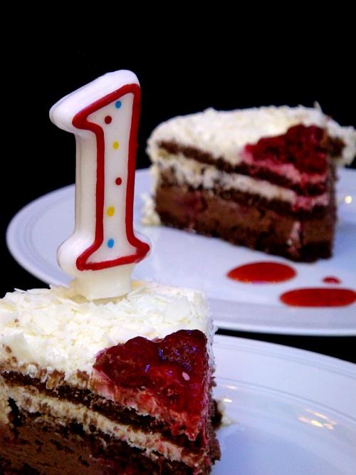 ReklamPR'ın doğum günü pastası.