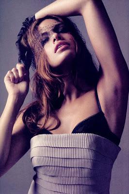 http://3.bp.blogspot.com/_NVuAKTTGdH8/SXhBgo2OyQI/AAAAAAAADKI/aF71-FHPE-k/s400/eva-mendes-most-desirable-woman-2009.jpg