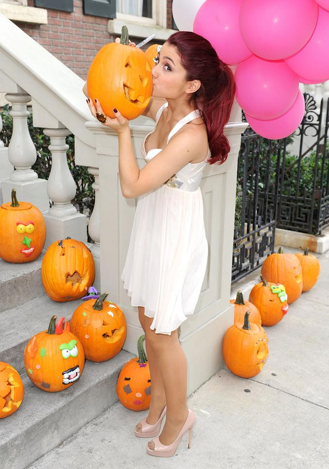 Ariana Grande | Hot Dress Kissing A Pumpkin. Ariana Grande