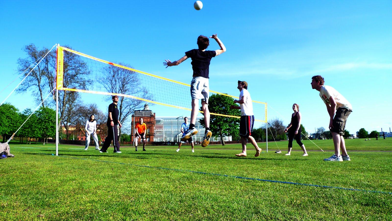 Backyard Volleyball Net Size : Outdoor Volleyball