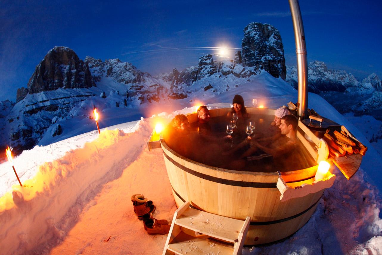 Soggiorni di charme in montagna: Nella vasca ad alta quota - Cortina ...