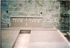 Túmulo de Augusta Viebranz Kraetzer e  Wally Kraetzer Maier,esposa e filha de Arthur Kraetzer