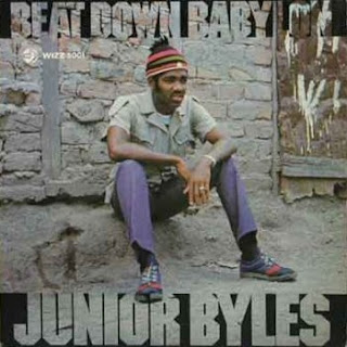 Junior Byles. dans Junior Byles 7520