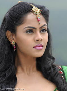 KARTHIKA NEW PHOTOS, ACTRESS RADHA DAUGHTER KARTHIKA, KARTHIKA LATEST PHOTOS, AMAZING KARTHIKA STILLS_05.jpg
