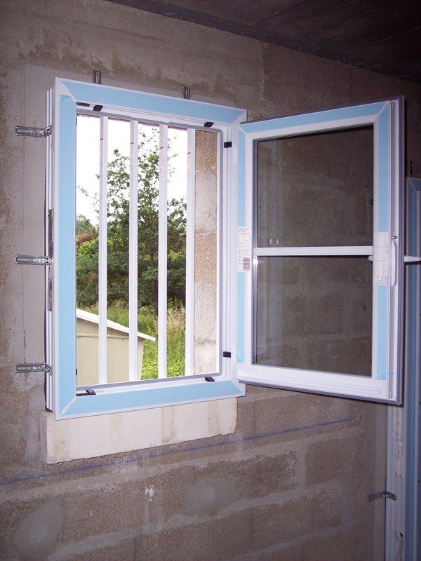 Installation Thermique: Fixation Bloc Porte Parpaing