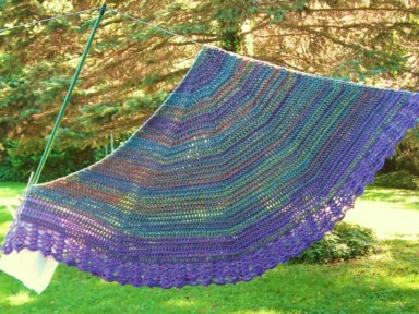 Shawl for Auntie; pattern by Doris Chan