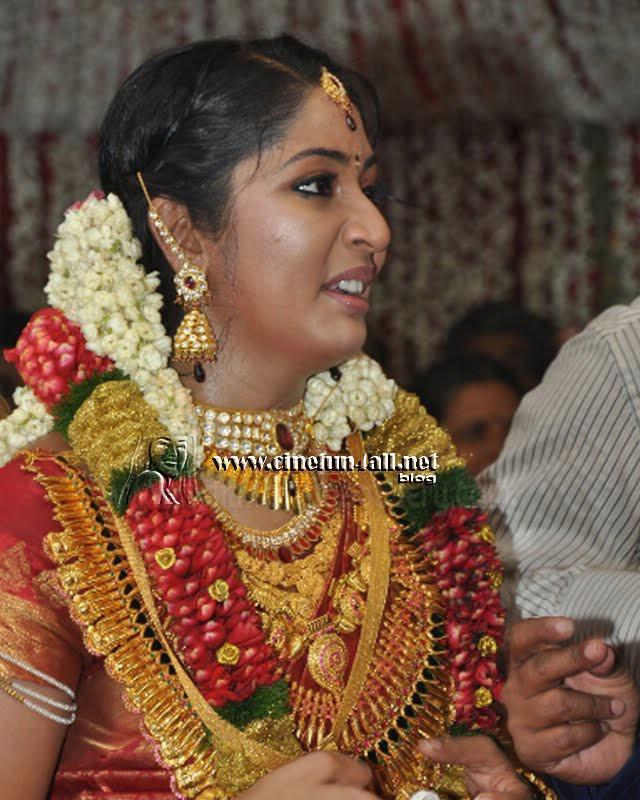 Navya nair wedding photo galleryNavya Nair Engagement Photos