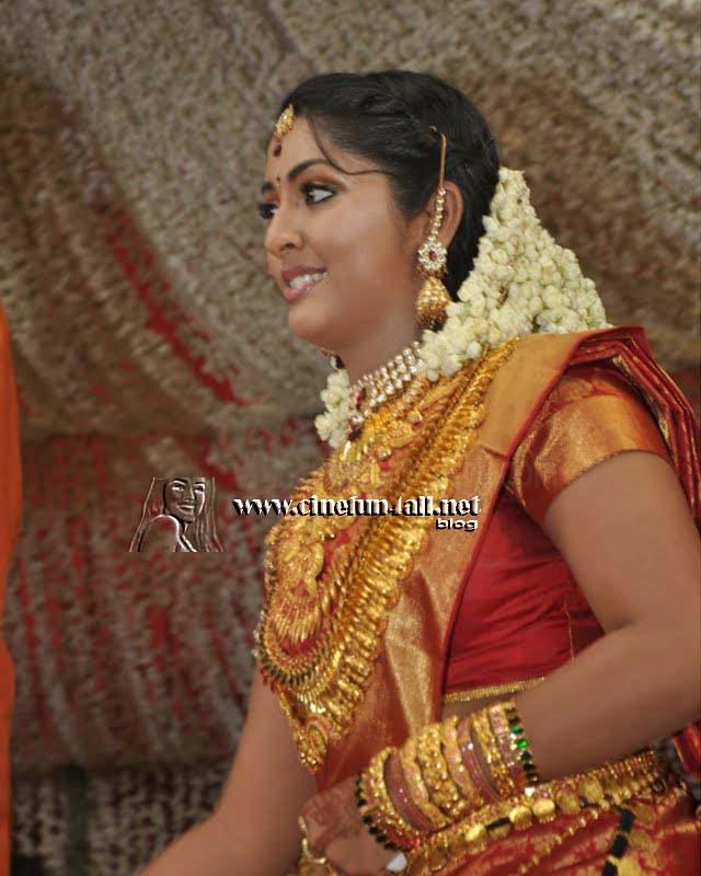 Navya Nair Engagement Photo Gallery   navya nair wedding photosNavya Nair Engagement Photos