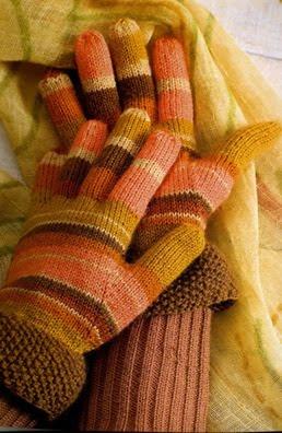 перчатки в теплых тонах