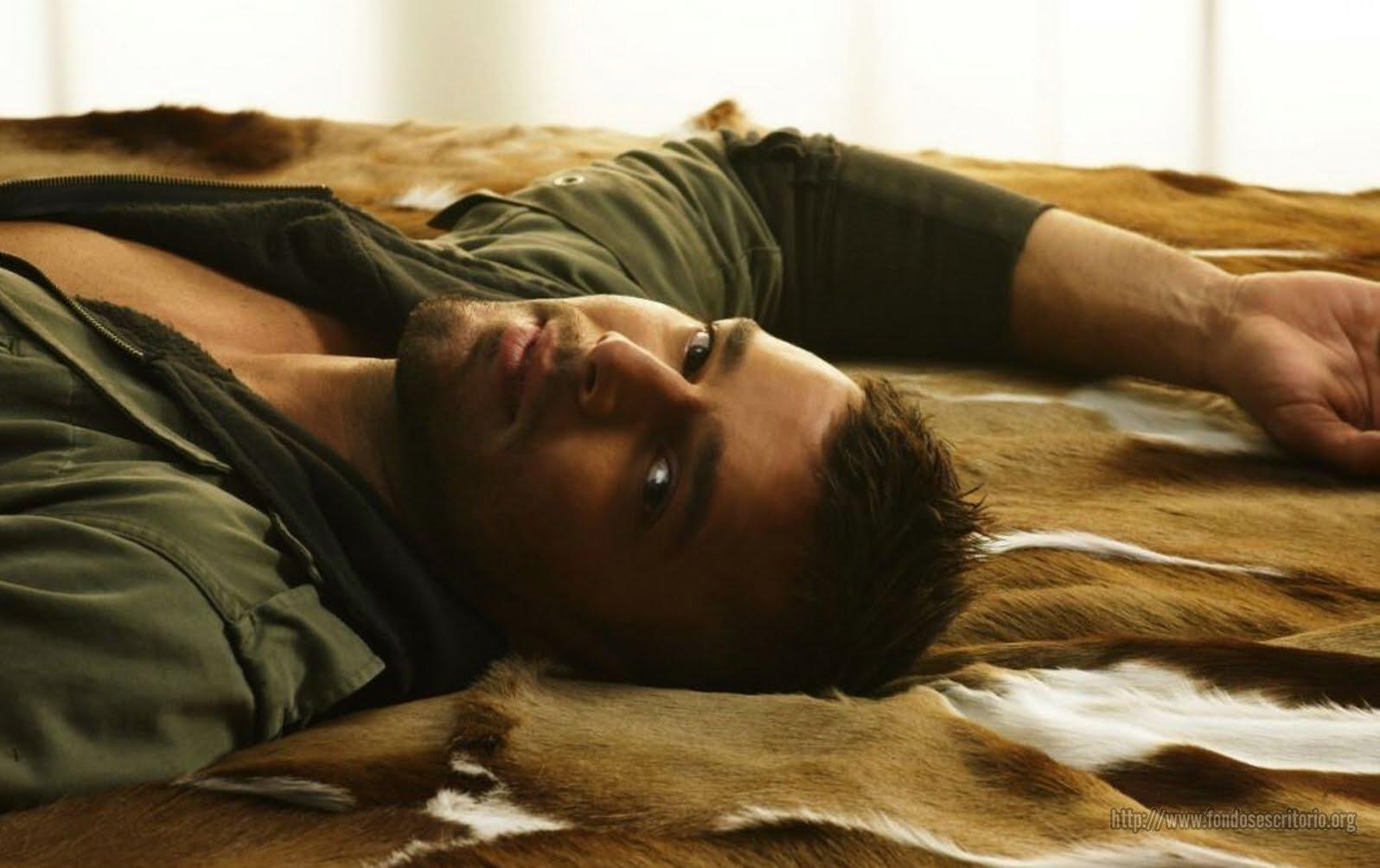 http://3.bp.blogspot.com/_Ne5Lb2SiFHg/S7EmRu8xoEI/AAAAAAAAuX0/s0oP2HjkGM0/s1600/ricky+bed.jpg