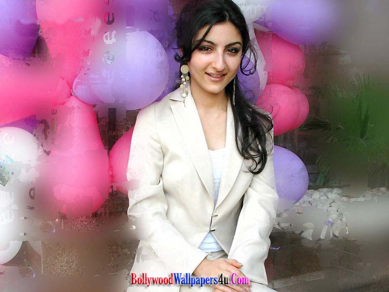 soha ali khan wallpapers. Hot Soha Ali Khan Wallpaper
