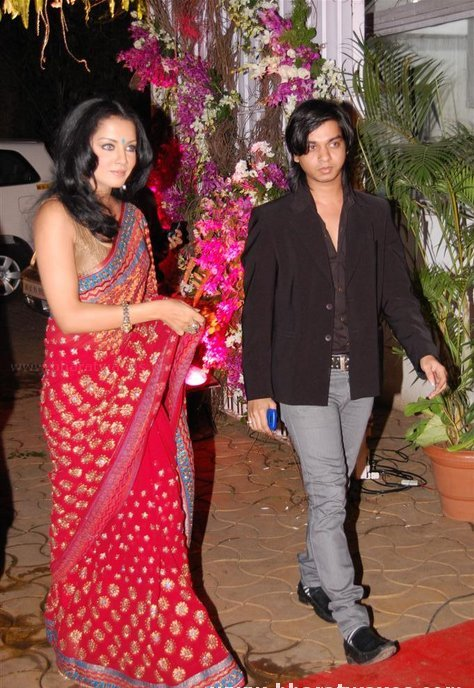 Celina Jaitly at Isha Koppikar wedding reception ceremony wallpaper