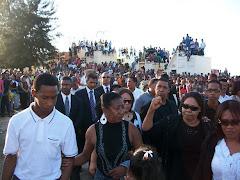 Multitud que despidio a Luisito Marti este Martes en el Cementerio Cristo Redentor
