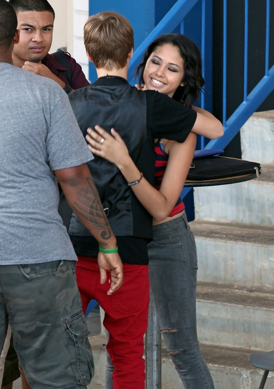 justin bieber jasmine v. Justin Bieber y Jasmine V: